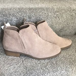 Universal Thread Ankle Boots